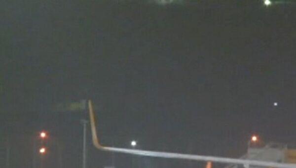 Кадры с места взрыва на стоянке лайнеров в аэропорту Стамбула
