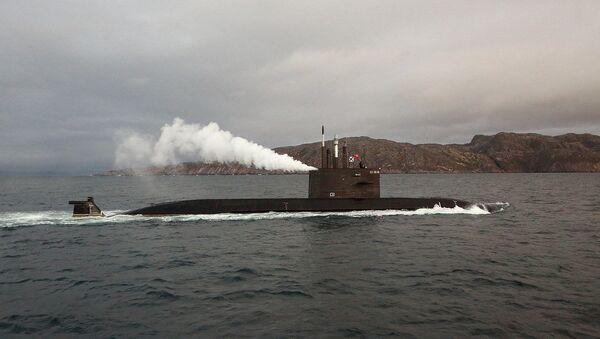 Подлодка проект 677 Лада в Баренцевом море. Архивное фото
