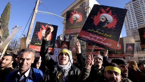 Протесты в Тегеране у посольства Саудовской Аравии в Иране. Архивное фото