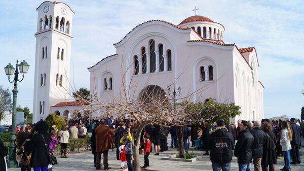 Православный храм в Греции. Архивное фото