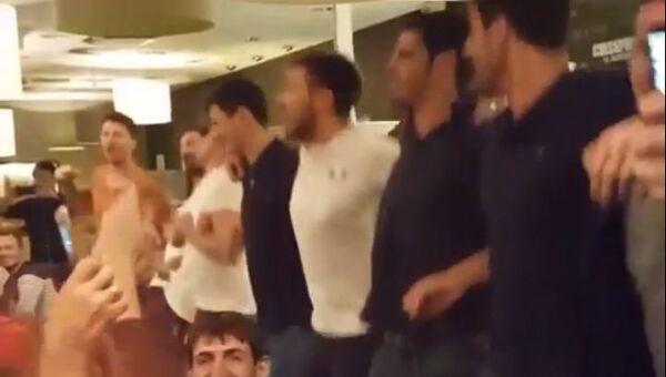 Французские волейболисты спели Калинку
