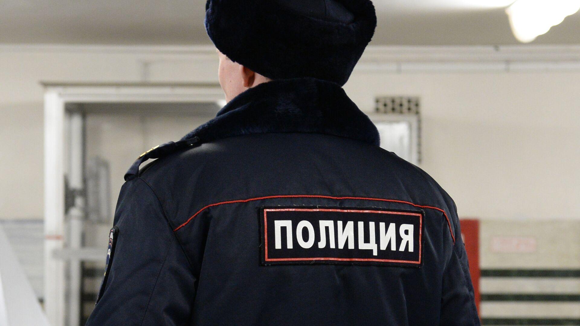 В Москве мужчина бросил в людей светошумовую гранату, сообщил источник