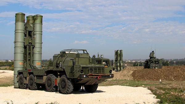 Зенитно-ракетные комплексы С-400. Архивное фото