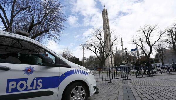 Турецкая полиция на улице Стамбула. Архивное фото