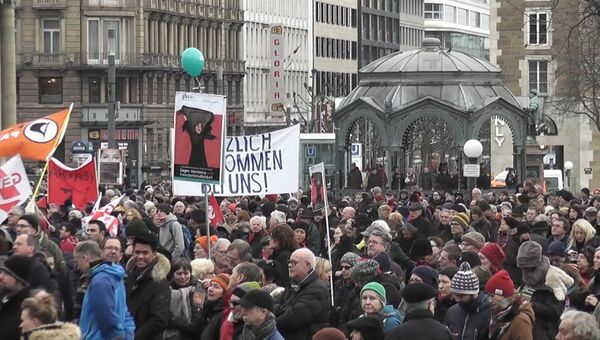 Марш в Кельне и митинг в Штутгарте: Германия протестует против насилия