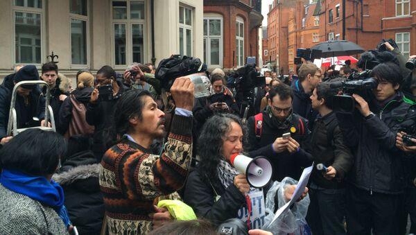 Ситуация возле посольства Эквадора в Лондоне