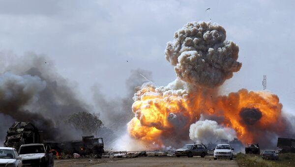 Авиаудар сил коалиции по позициям проправительственных войск возле Бенгази, Ливия. Март 2011