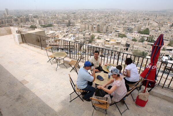 Вид на город Алеппо с холма, 2008 год