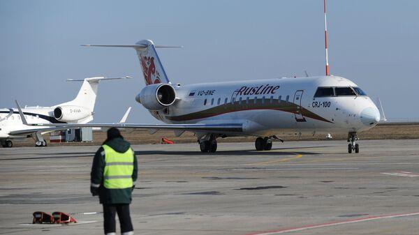 Самолет авиакомпании РусЛайн