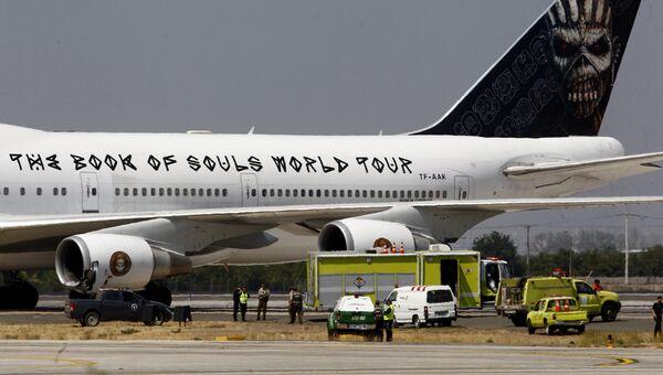 Boeing 747 группы Iron Maiden в аэропорту Сантьяго. Архивное фото