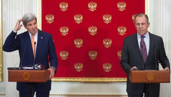 Министр иностранных дел РФ Сергей Лавров и государственный секретарь США Джон Керри. Архивное фото