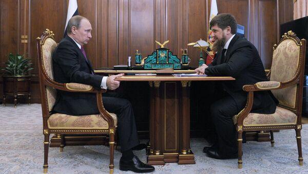 Президент России Владимир Путин и глава Чечни Рамзан Кадыров. Архивное фото