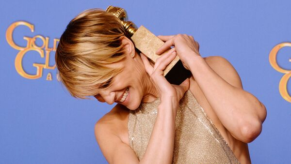 Актриса Робин Райт, с Золотым глобусом. Архивное фото