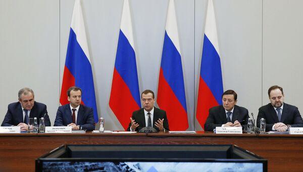 Председатель правительства РФ Дмитрий Медведев проводит совещание о состоянии и перспективах развития угольной промышленности