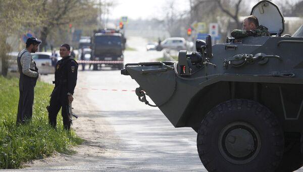 Военные на месте взрыва у здания ОВД в Ставропольском крае