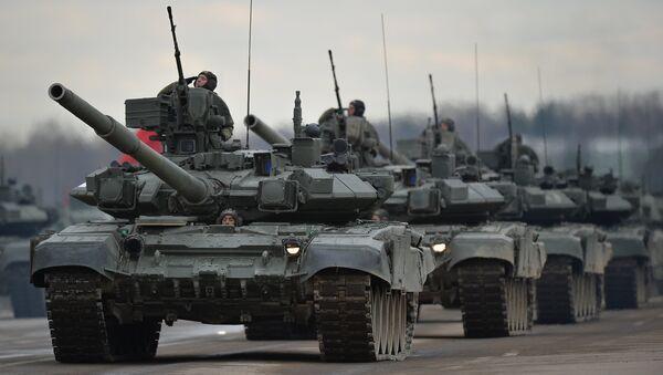 Танки Т-90А механизированной колонны войск Московского гарнизона Центрального военного округа