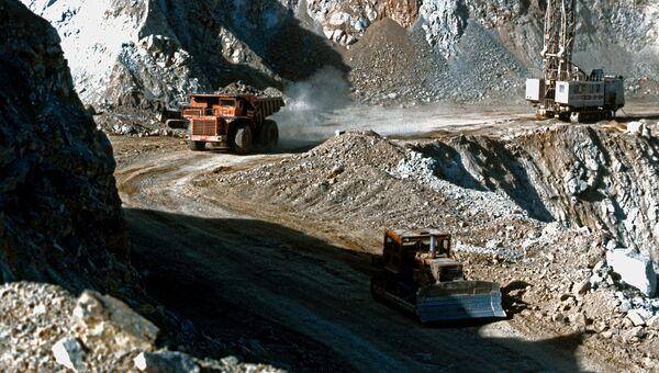 На горно-металлургическом комбинате в городе Тырнауз в Кабардино-Балкарии. Архивное фото.