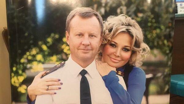 Фотография депутатов Вороненкова и Максаковой в буфете Государственной Думы РФ. Архивное фото