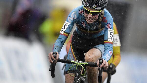 Велосипедистка Фемке Ван ден Дрисше. Архивное фото