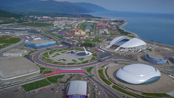 Вид на Олимпийский парк и Сочи Автодром в Сочи. Архивное фото