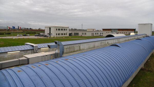 Установка для обнаружения гравитационных волн в обсерватории LIGO