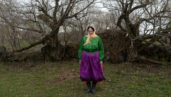 Потомок духоборцев Татьяна Осипова в селе Гореловка в Грузии