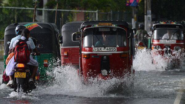 Наводнение в Коломбо из-за сильных дождей и оползней на Шри-Ланке
