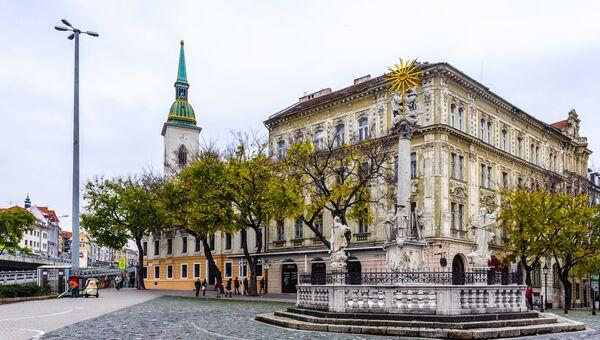 Центральная площадь в Братиславе, Словакия. Архивное фото