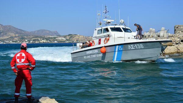 Катер береговой у острова Крит, Греция. Архивное фото