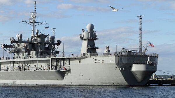 В США поместят на карантин побывавшие в Европе корабли
