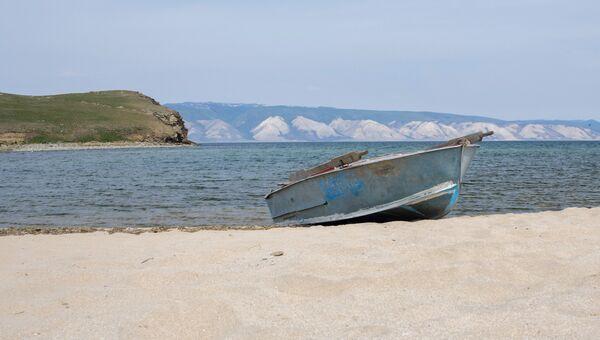 Остров Ольхон на озере Байкал и пролив Малое море