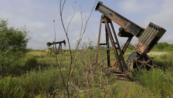 Заброшенные нефтяные скважины в Техасе, США