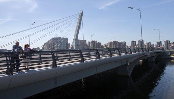 Мост через Дудергофский канал в Красносельском районе Санкт-Петербурга. Архивное фото