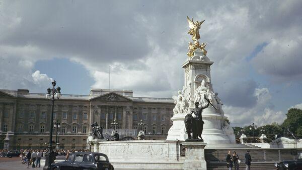 Памятник королеве Виктории. Лондон