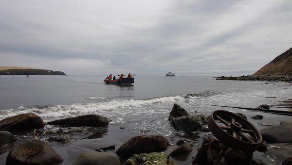 Остров Матуа из Курильской гряды. Архивное фото