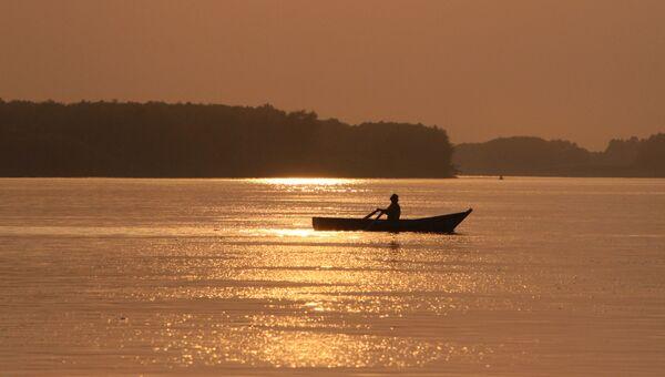 Закат на реке Иртыш. Архивное фото