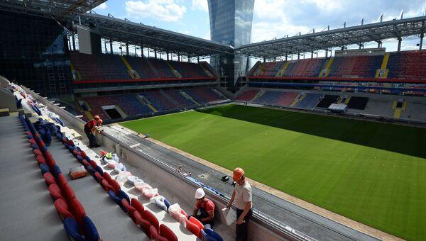 Рабочие на строительстве стадиона ПФК ЦСКА. Архивное фото