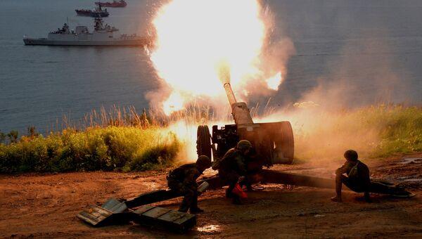 Артиллеристы бригады морской пехоты Тихоокеанского флота РФ