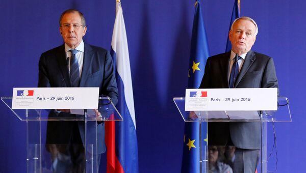 Министр иностранных дел России Сергей Лавров и глава МИД Франции Жан-Марк Эйро. 29 июня 2016