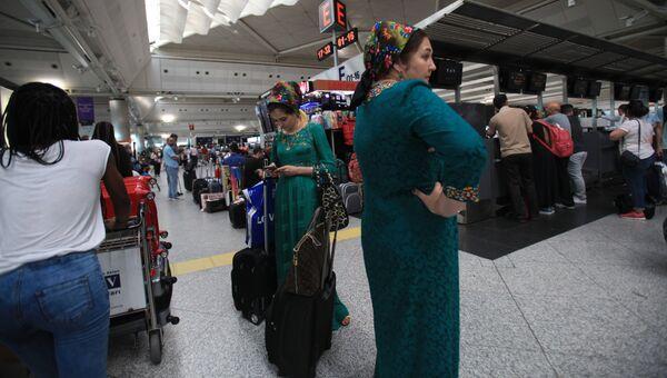 В международном аэропорту имени Ататюрка в Стамбуле. Архивное фото