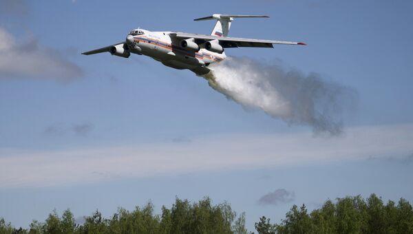 Самолет МЧС Ил-76. Архивное фото