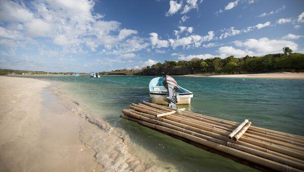 Пляж Натадола Бич на Фиджи. Архивное фото
