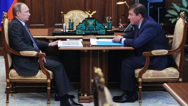 Президент РФ В. Путин встретился с губернатором Псковской области А. Турчаком