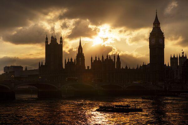 Биг-Бен и здание британского парламента в Лондоне