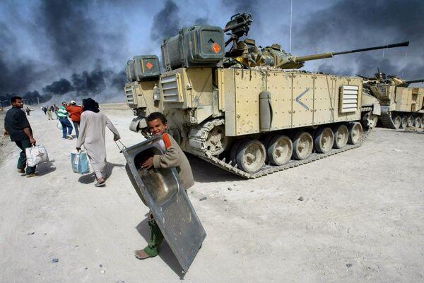 Британский танк в городе Басра в Ираке