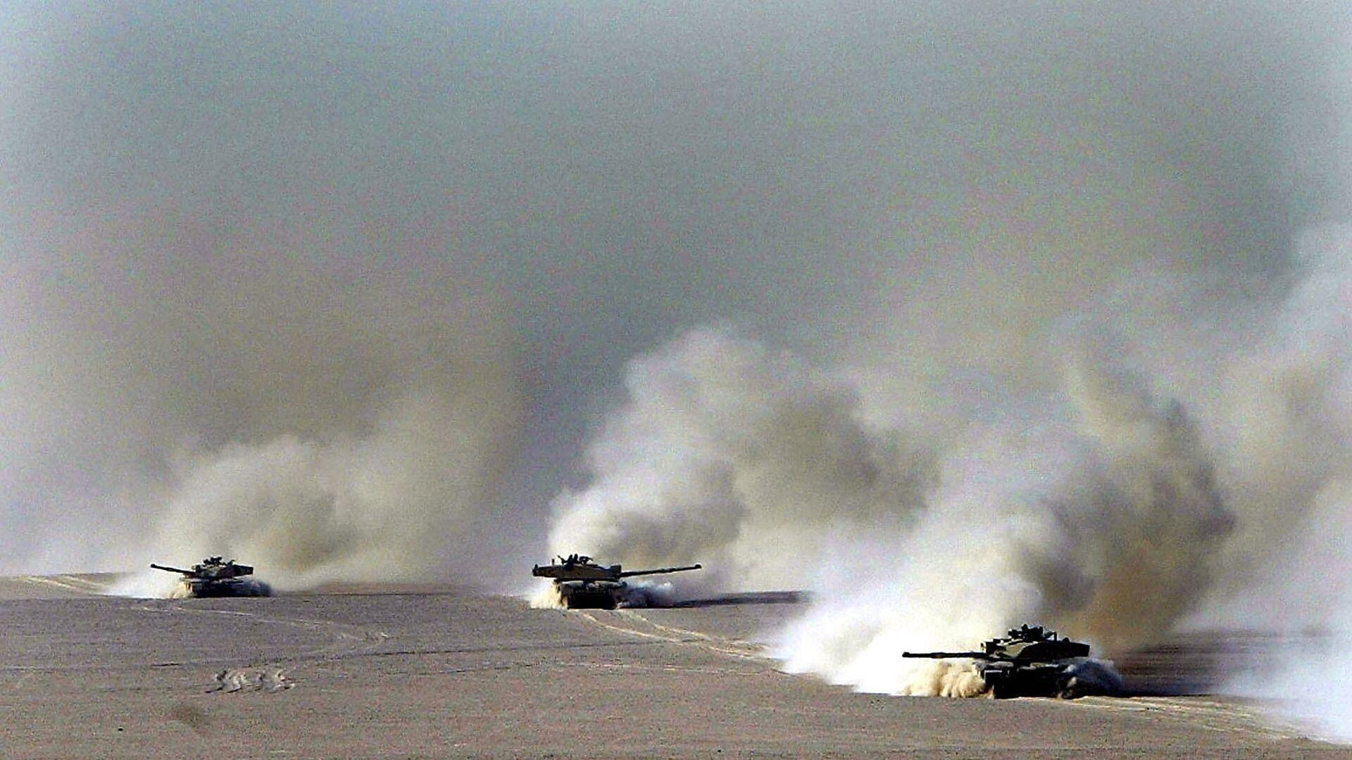 Британские танки Челленджер 2 в пустыне Кувейта - РИА Новости, 1920, 17.01.2021