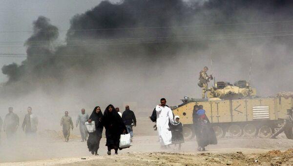 Иракцы покидают Басру. Архивное фото
