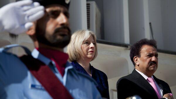 Британский политик Тереза Мэй во время визита в Пакистан