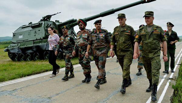 Подготовка российско-индийских учений сухопутных войск Индра-2016. Архивное фото