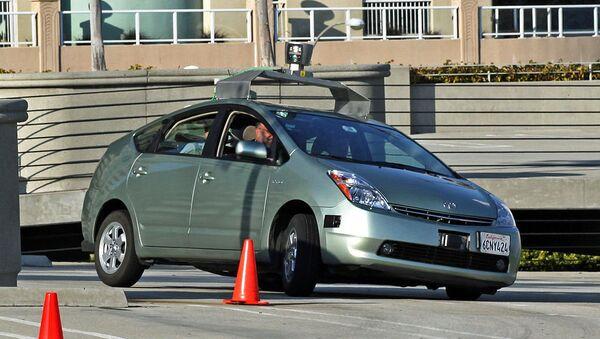 Беспилотный автомобиль (робот-автомобиль). Архивное фото.